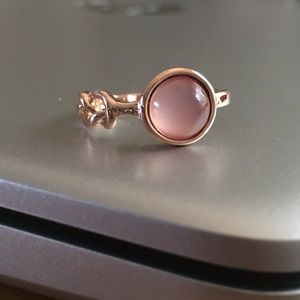 Jewelry - Pink moonstone knotted ring
